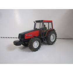 Tracteur VALMET 8750 BRITAINS 1/32